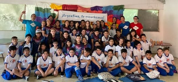De la idea a la concreción y a la Luz de los Mitos: Alumnit@s. Argentina, te escuchamos!
